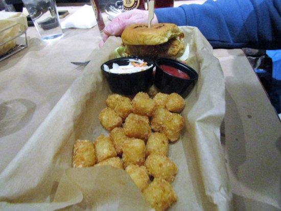 Newburyport, MA: hubby got a burger and tater tots