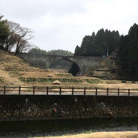 Tsujunkyo Bridge: 大きなブルーシートは、消えていますが。