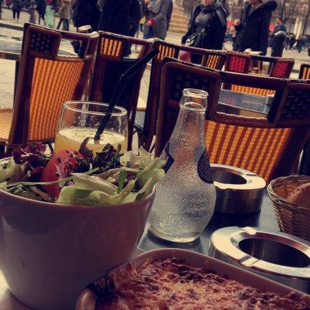restaurant cafe rive droite dans paris avec cuisine fran aise. Black Bedroom Furniture Sets. Home Design Ideas