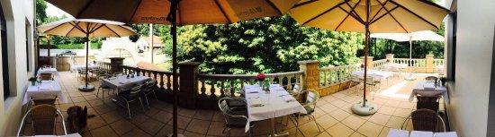 Flobecq, Bélgica: zomerse terras