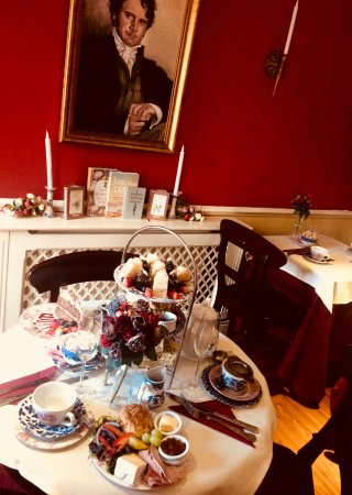 The Regency Tea Rooms: spoil yourslef with Afternoon tea and champagne under Mr Darccys watchful gaze!