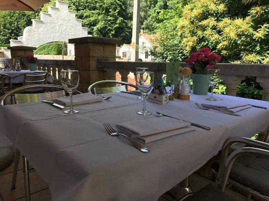 Flobecq, Bélgica: zomers terras