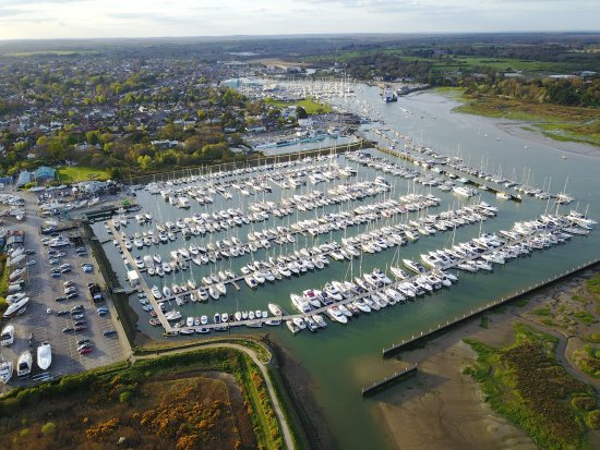 ‪Lymington Yacht Haven‬