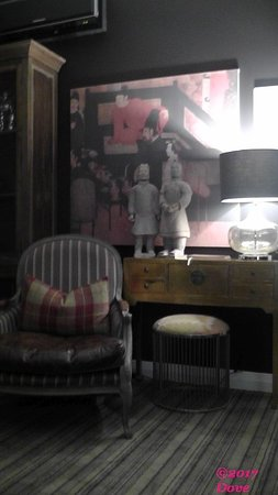 The State Hotel: guest lounge