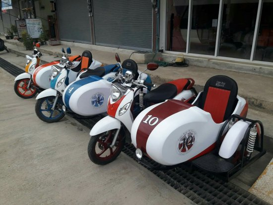 Pai, Tailandia: Sidecars available from Candy Road