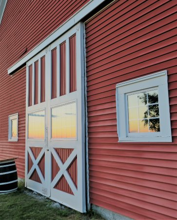Greene, Мэн: Built in 1833, our big red barn, home to Vista of Maine Vineyard & Cidery Tasting Room