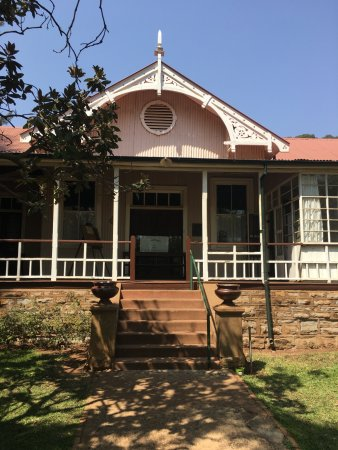 Centurion, Afrique du Sud : The Jan Smuts House Museum is on the grounds, a must see for curious people
