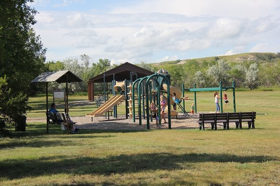 Epping, ND: Payground near the Friends Shelter