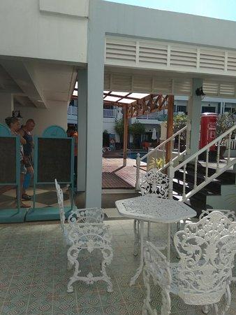 Andaman Seaview Hotel: IMG_20180118_095842_large.jpg