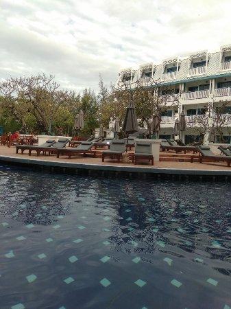 Andaman Seaview Hotel: IMG_20180122_082759_large.jpg