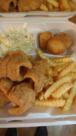 Celina, TN: Speedos fish to go