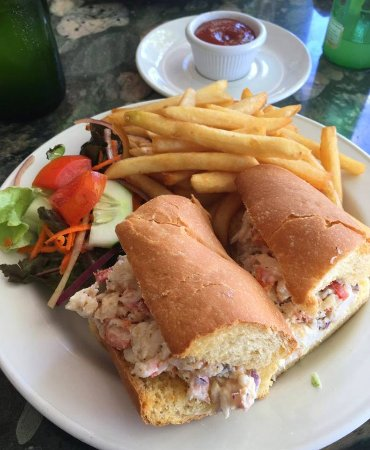 Oualie Beach Restaurant: Lobster sandwitch