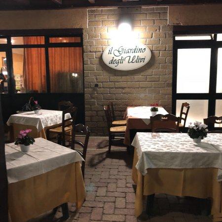 Ristorante il giardino degli ulivi in roma con cucina - Il giardino degli esperidi ...