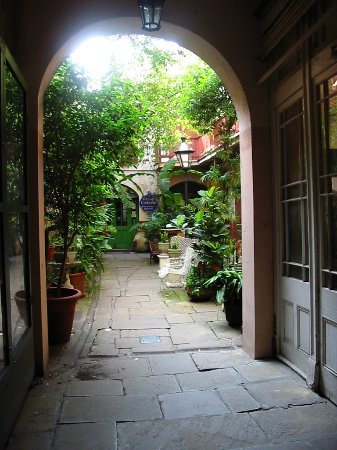 Inside St. Anthony\'s Garden, behind St. Louis Cathedral, private ...