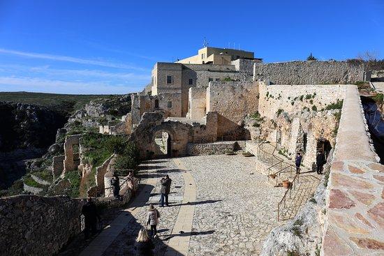 Abbazia ed eremi di Pulsano: Opactwo benedyktyńskie Santa Maria di Pulsano