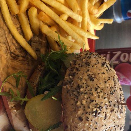 Ypres Burger: Le French Kiss avec un steak végétarien 👌 Un délice