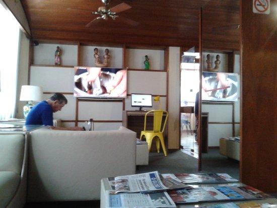 Apa Hotel: Sala de Tv / Leitura
