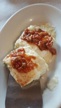 Farini, Italia: Cannelloni di magro con sugo di funghi