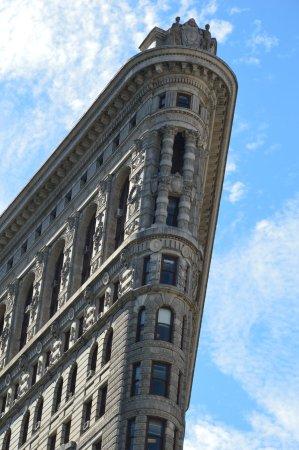 Flatiron Building: sky