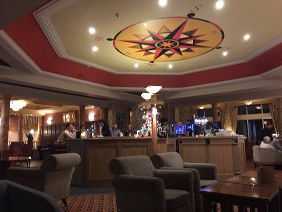 The Grand Hotel: Bar