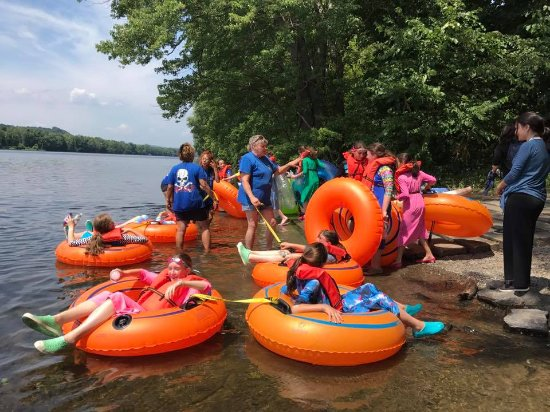 Frenchtown, Nueva Jersey: A Tubing Group