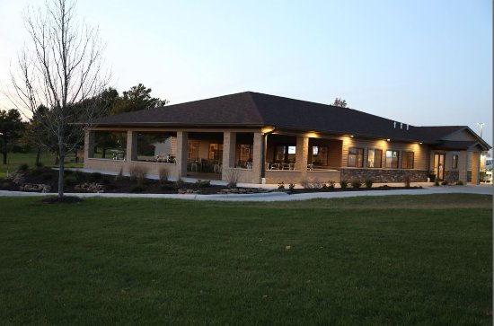 Geneseo, IL: The club house offers a relaxing atmosphere and a fireplace in season.