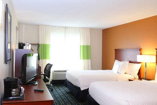Quality Inn Cranberry Township: Room with two douboe beds