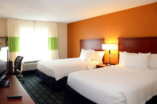 Quality Inn Cranberry Township: Room with two double beds