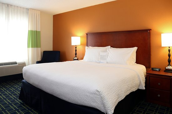 Quality Inn Cranberry Township: King Bed room