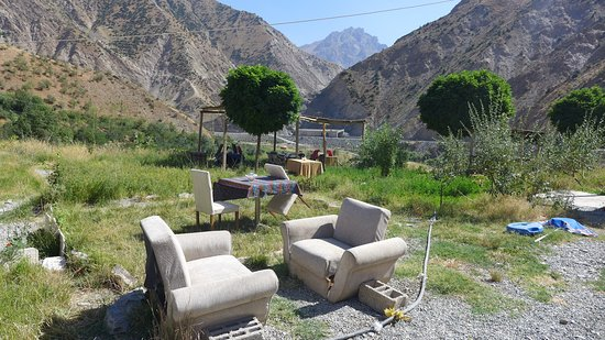 Allegorical furnished cinematic landscape 2km before Hakkari