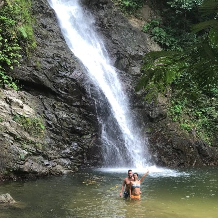Biausevu Waterfall照片