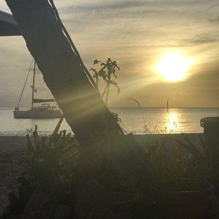 Jacqui O's BeachHouse: photo3.jpg
