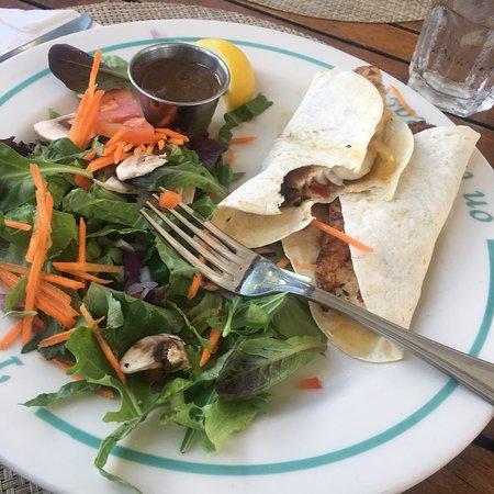Hemingway 39 s restaurant providenciales ristorante for 416 americana cuisine