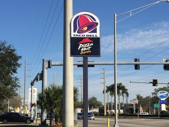 Taco Bell Pizza Hut Express Street Sign At 3710 Cortez Rd W Bradenton Fl