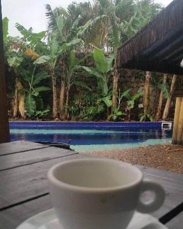 Barra da Lagoa, SC: Café da manhã na piscina? Tá valendo!
