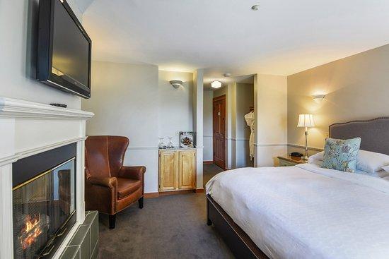 The Wild Iris Inn : King Suite