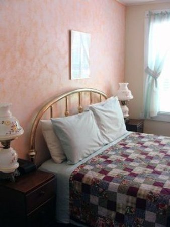 Sunapee, NH: Guest room