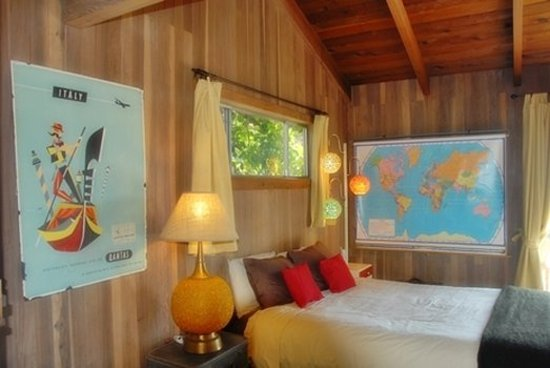 Little River, Kalifornien: There, Cabin 4, is vintage travel circa 1960s. It's super popular!