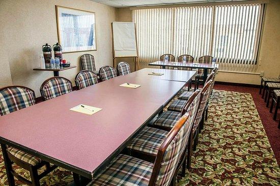 Seekonk, MA: Meeting room