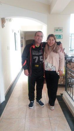 Foto con la dueña y la que ideo la construcción del Eugenia Hotel