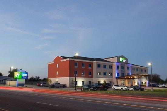 Gatesville, TX: Exterior