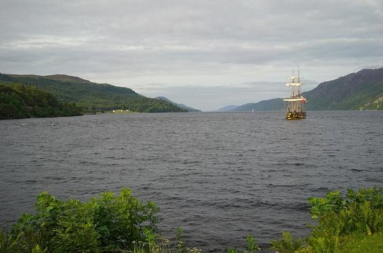 Loch Ness and Scottish Highlands Day Trip from Edinburgh