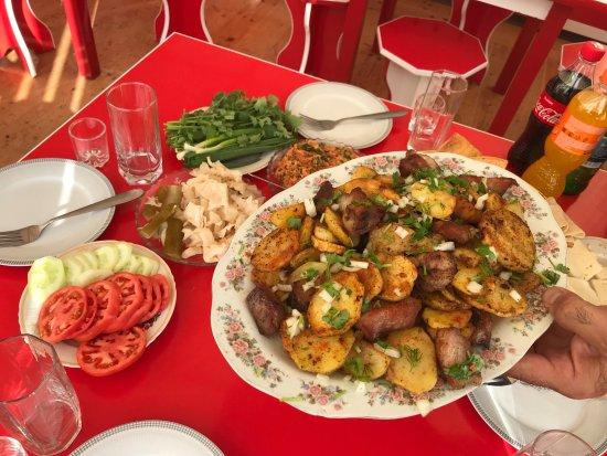 Ashotsk, Arménie : Armenian khorovats (BBQ)