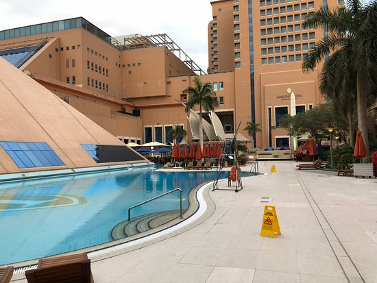 Staybridge Suites Cairo-Citystars: share facilities with intercontinental hotel