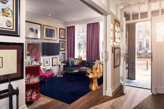 Art Collector's Suite