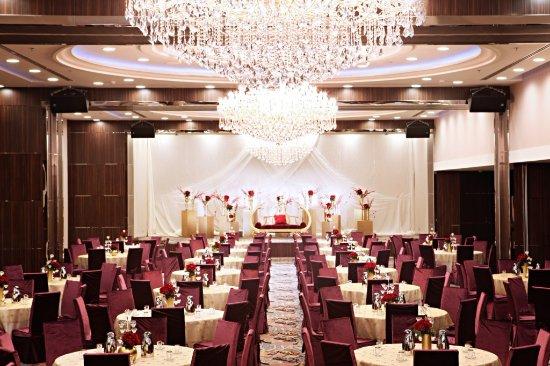 Banquet hall wedding setup picture of elaf jeddah hotel red elaf jeddah hotel red sea mall banquet hall wedding setup junglespirit Choice Image