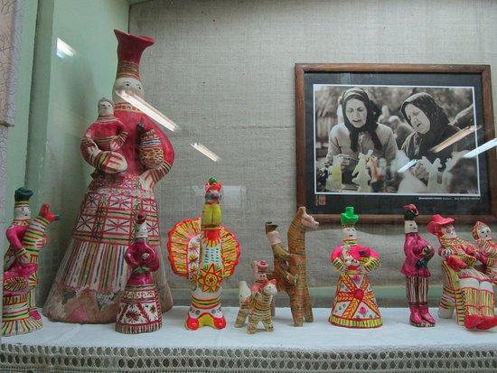 Odoyev, Ρωσία: Филимоновская глиняная игрушка и потртеры мастеров