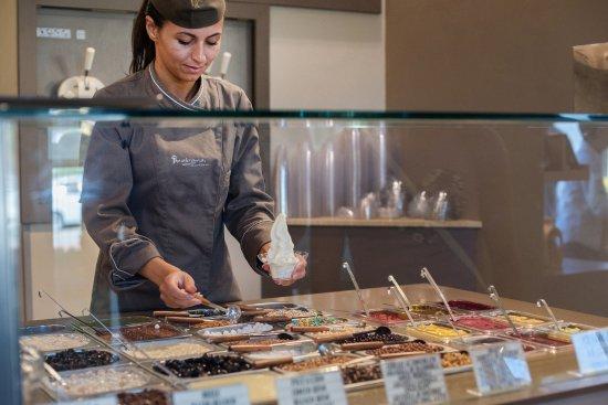 Fornaci di Barga, İtalya: Le nostre coppe yogurt ti aspettano!