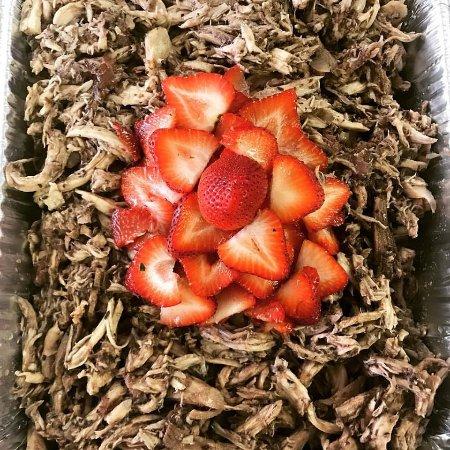 Sullivan, IN: Strawberry Balsamic Chicken Salad