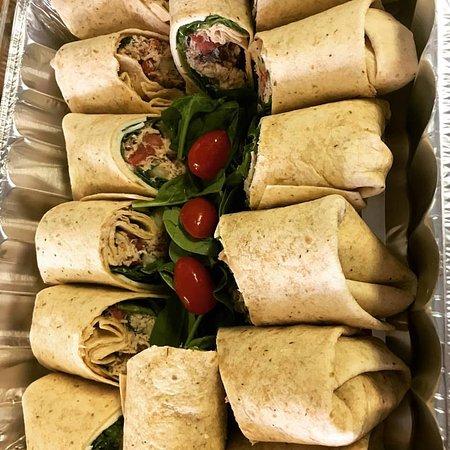 Sullivan, IN: Pesto Chicken Wraps
